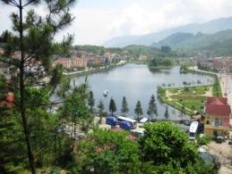 Vietnam Ties adoptive family visit Sapa